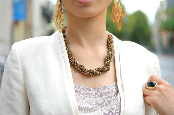 my-huong-golden-chique-snake Outfit: The golden snake look