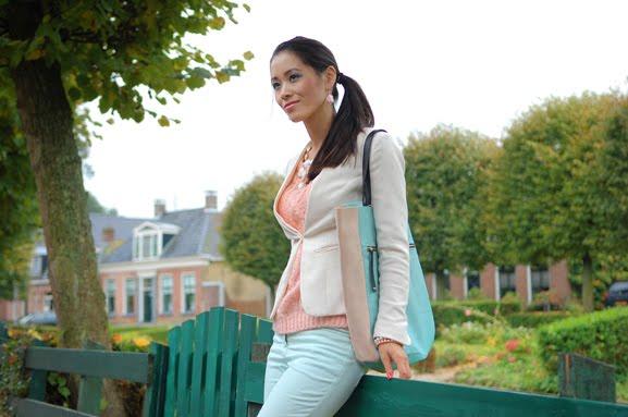 my-huong-ijlst-drylst-lookfotos-pasteltinten-combineren-pastel-groen-roze OUTFIT: pastel green vs.pink