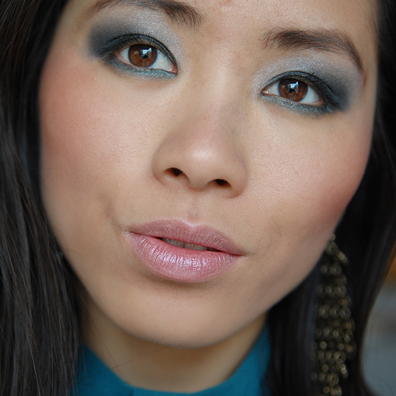 My-huong-deep-blue-eyes-make-up Smokey Blue Eye Look