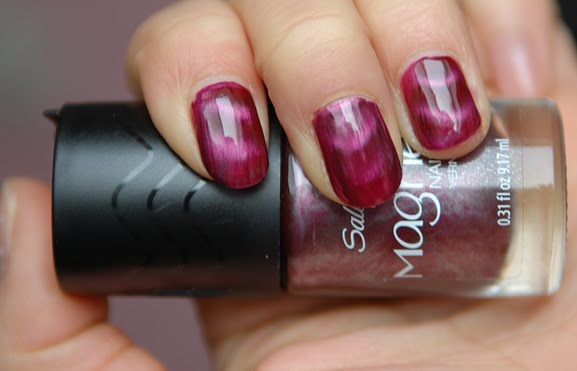 Sally-Hansen-Magnetic-905-red-y-response Sally Hansen Magnetic Nail Color