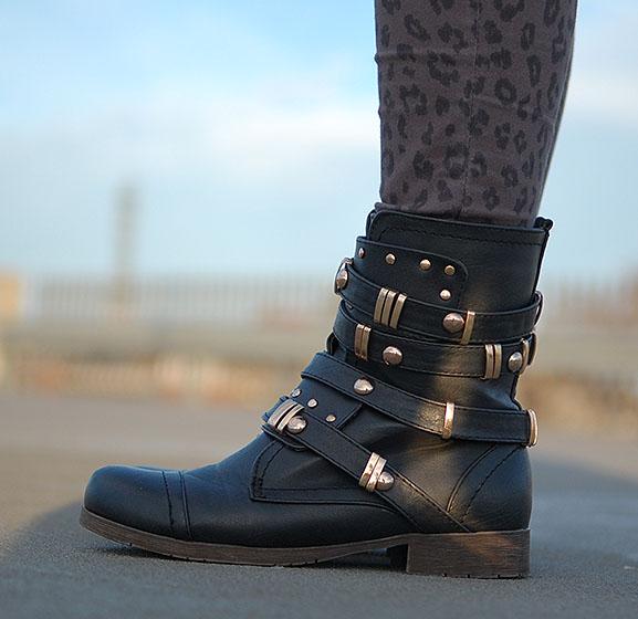 biker-boots-hippe-schoenen.nl_ Outfit: Biker look