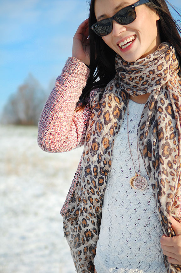 my-huong-outfit-face OUTFIT: Winter Glow!
