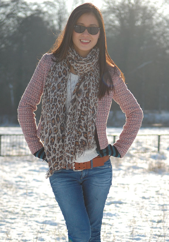 myhuon-tweed-jack-blazer-jeans-panter-print-sjaal OUTFIT: Winter Glow!