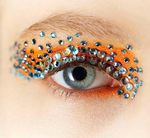 Dior-spring-christian-dior-spring-2013-backstage-makeup TREND: Runway Make-up Dior 2013