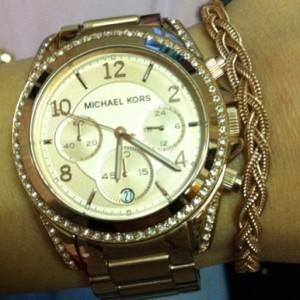 Instagram-Michael-Kors-Rose-goud-Dji-DJi-armband-300x300 The Beauty Musthaves Instagram pic's - februari