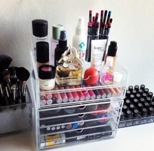 MAke-up-organizer-300x294 Make-up stash organiseren