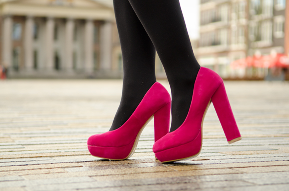My-Huong-Hippe-schoenen-The-Beauty-Musthaves-schoenen-roze-Pumps Outfit: Miss Cherie pink!