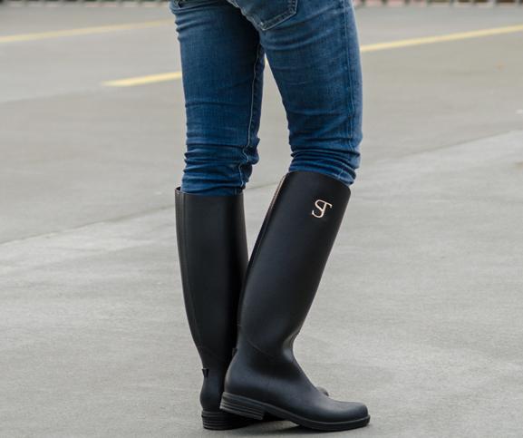 My-Huong-Outfit-2 Supertrash regenlaars