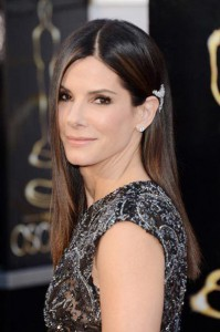 best_sleek_hairstyle_sandra_bullock_18iljq2-18iljqe-199x300 Oscars 2013 Beauty Looks