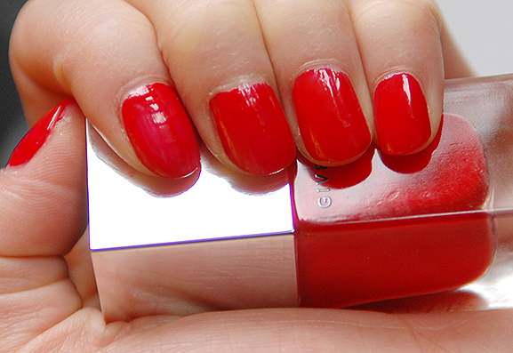 Givenchy-Red-Nail-Color-Le-vernis Givenchy Le Vernis & Le rouge