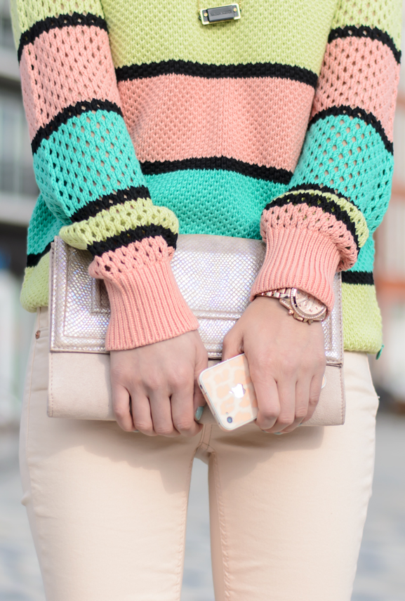 Outfit-maison-scotch-trousers-supertrash-pants-colorswitch-iphone-clutch-pink-peachy-outfit-case Outfit: Peach spring look