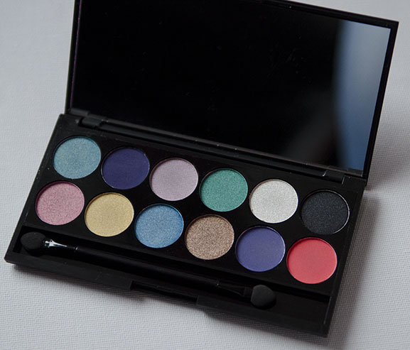 Sleek-Aqua-palette-swatches-colours Sleek Aqua collection Lagoon i-Divine Eyeshadow Palette