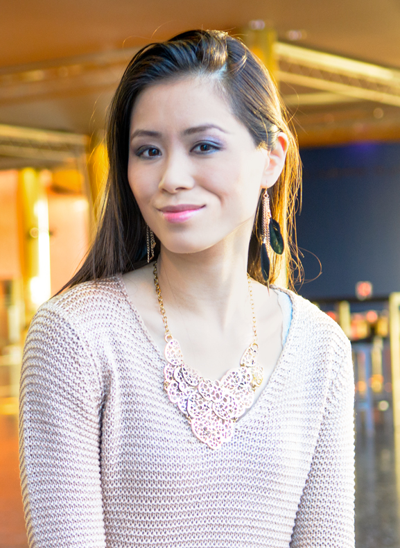 my-huong-ketting-veer-oorbellen-harmonie-leeuwarden-look-portret WIN! Chique Passion Rose outfit bij Max30.nl t.w.v. 80,85 euro