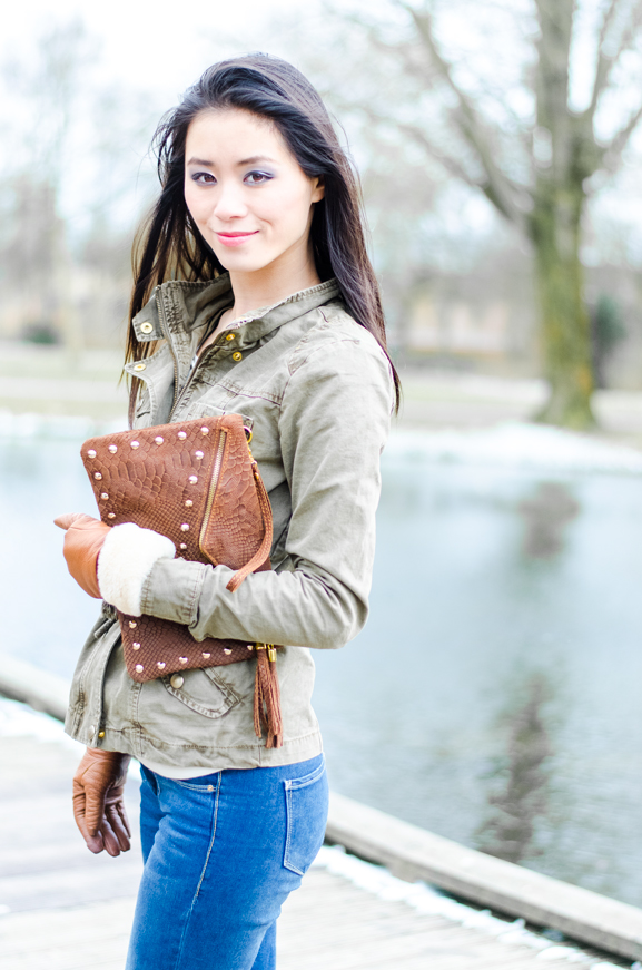my-huong-outfit-clutch-netzo-fashion-accessoires-studs-army-green-only-jacket-sans-online Outfit: Army green jacket!