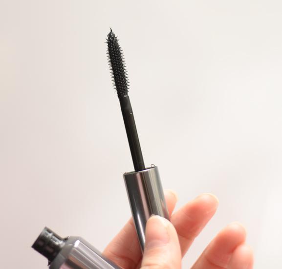 Benefit-mascara-theyre-rea2l Benefit Cosmetics