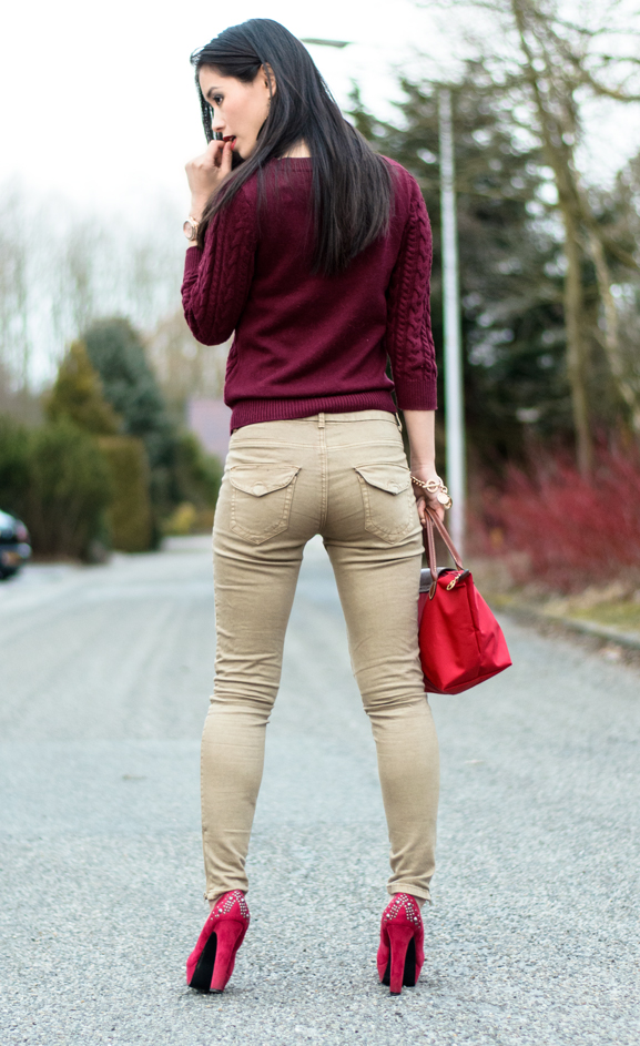 My-Huong-Burgundy-look Outfit: Lady in Red
