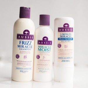 Shampoo-Conditioner-Aussie-Frizz-Miracle-moist-Frizz-Remedy-300x300 Haarverzorging: Aussie Frizz Miracle