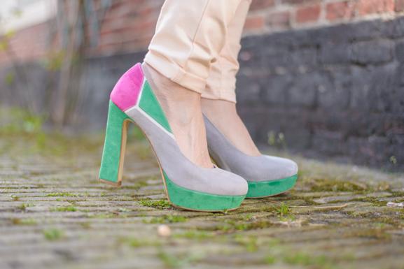 Miss-Roberta-multi-color-pumps Outfit: Floral pastel
