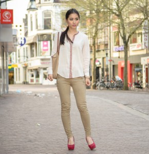 My-Huong-the-Beauty-Musthaves-290x300 Outfit: Mango Blouse met Etnische Boord