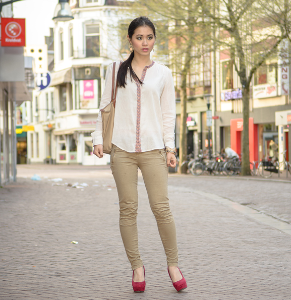 My-Huong-the-Beauty-Musthaves Outfit: Mango Blouse met Etnische Boord