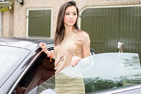 TOV-Essential-JOSH-V-MAserati-Open-doors Outfit: JoshV jurkje met de Maserati GranTurismo