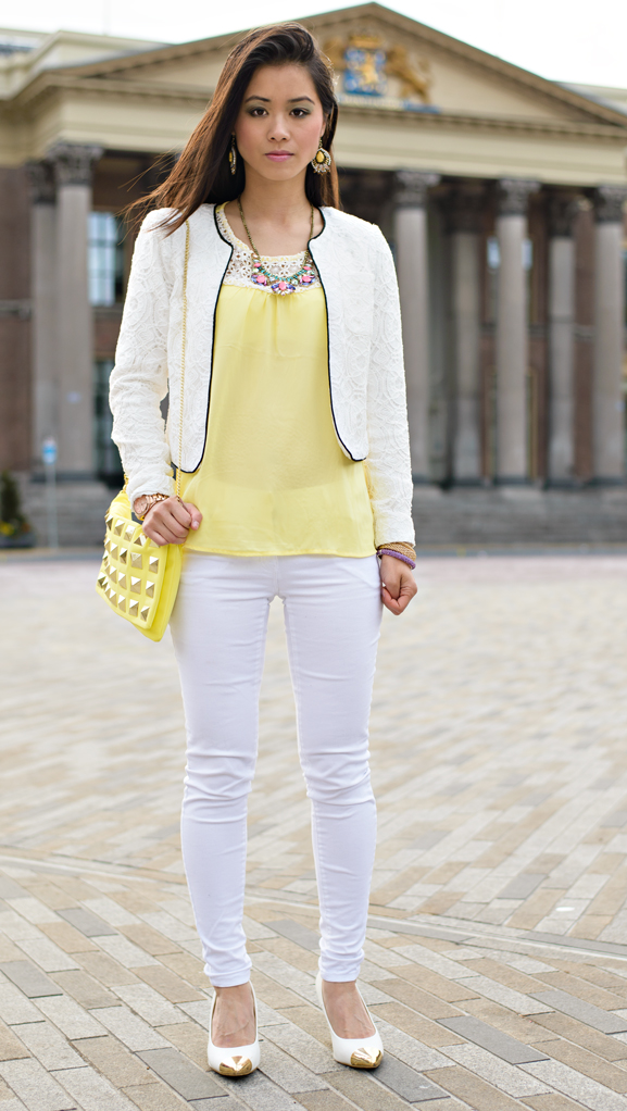 my-huong-look-geel-witte-blazer-geel-top-yello-clutch-studs-clutch Outfit: Yellow vs. White