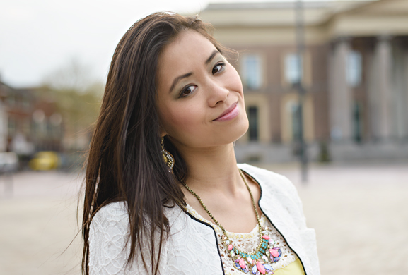 my-huong-make-up-look-yellow-geel-blauw-oogschaduw Outfit: Yellow vs. White