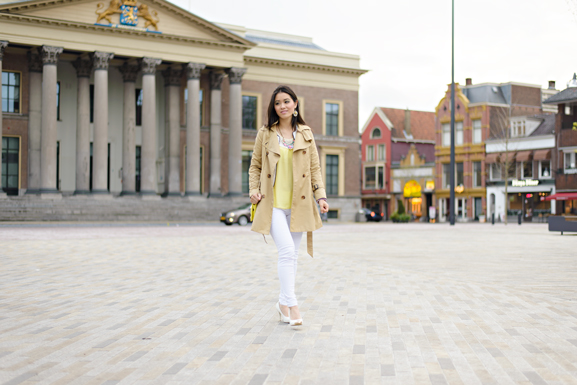 ootd-look-of-the-day-zaailand-geel-top-witte-broek-h-amp-m-trenchcoat Outfit: Yellow vs. White