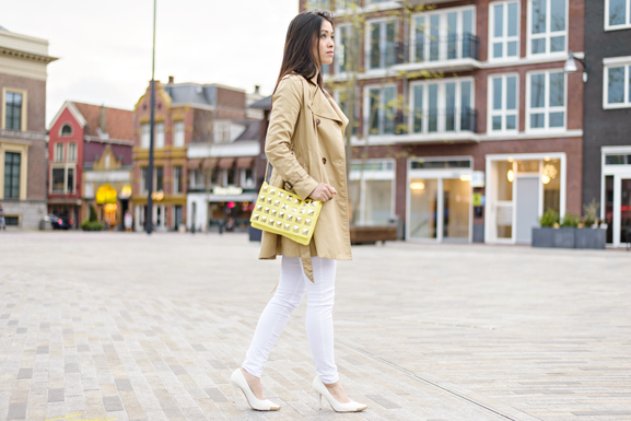 outfit-of-the-day-white-pants-witte-broek-h-amp-m-yellow-clutch Outfit: Yellow vs. White