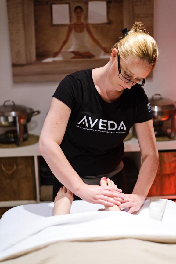 Aveda-Dayspa-voetenmassage Review + Win!  Aveda Spa Facial Gezichtsbehandeling