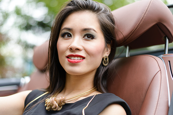 Luxury-make-up-look-dior-nep-wimpers Outfit: black dress partylook van max30.nl