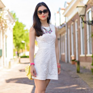 My-HUong-Neon-Accessoires-jewels-Lace-white-dress-dior-glasses-300x300 Outfit: The white lace dress