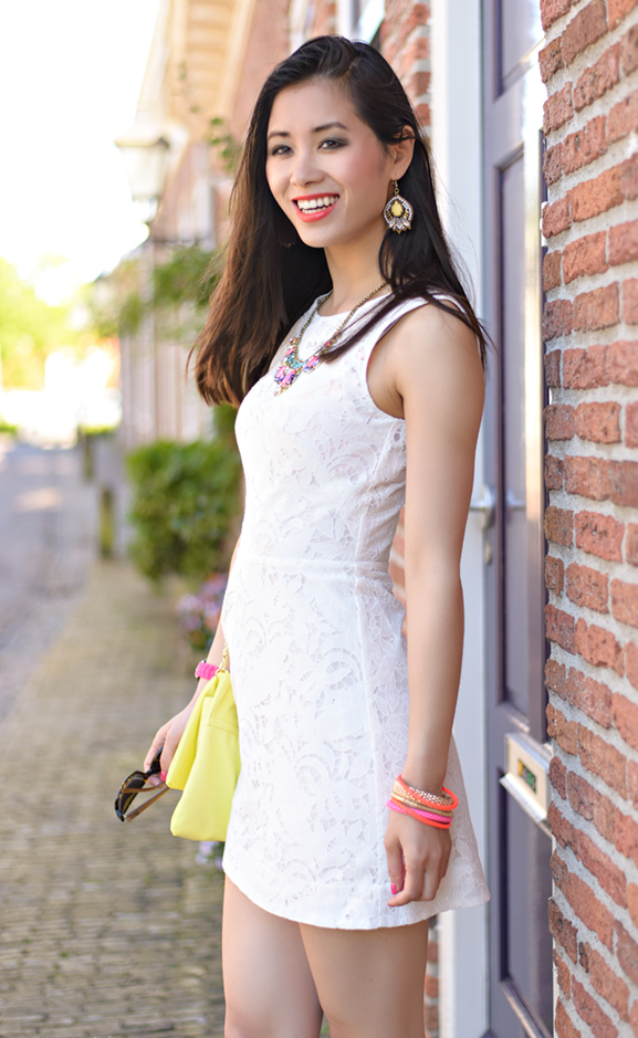 My-HUong-dress Outfit: The white lace dress