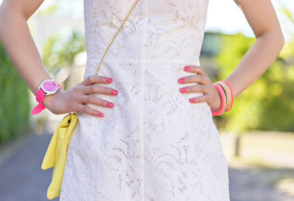 Neon-Outfit-dress Outfit: The white lace dress