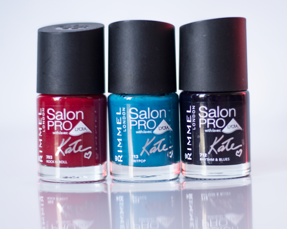 Rode-blauwe-lakjes-rimmel-lycra-salon-pro-kate-moss-nagellak Rimmel London Salon Pro by Kate + 3x Win!