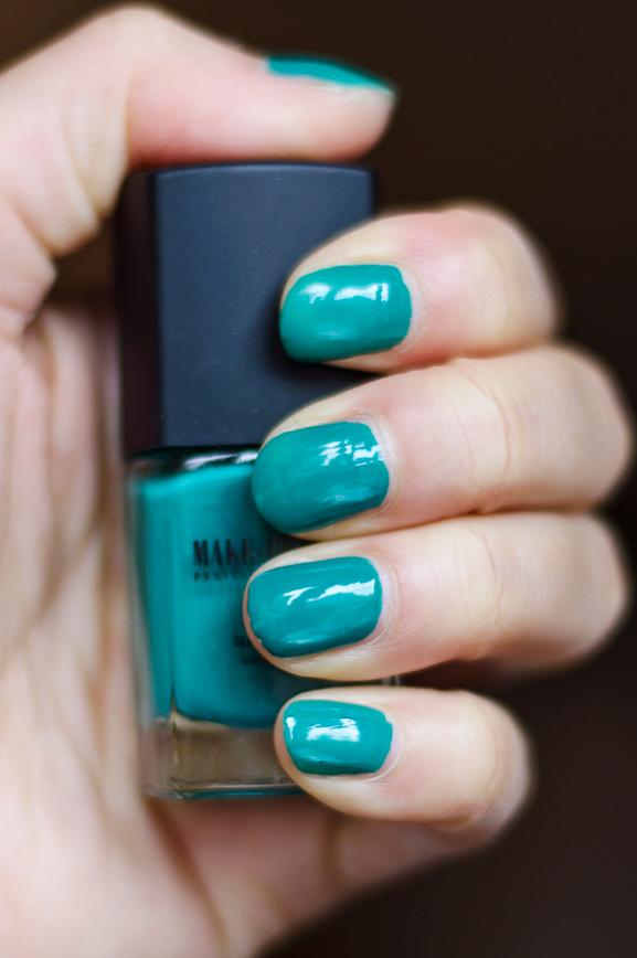 nail-color-makeup-studio-summer Make-Up Studio Hello Summer