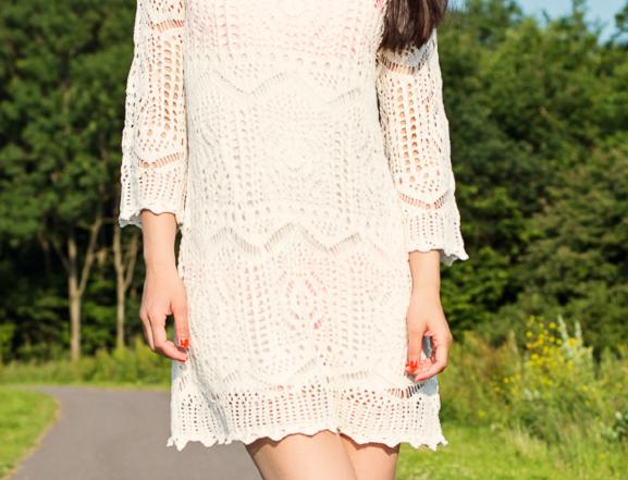 Gehaakt-jurkje-bikini-beach-look-summer-knitted-dress Outfit: White Knitted Dress H&M
