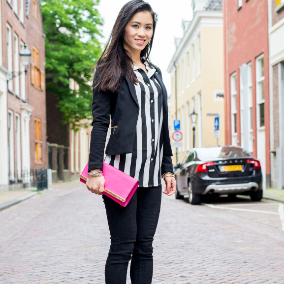 My-Huong-Thumbnail-outfit-black-striped-blouse Outfit: Zwart gestreepte blouse met MK clutch