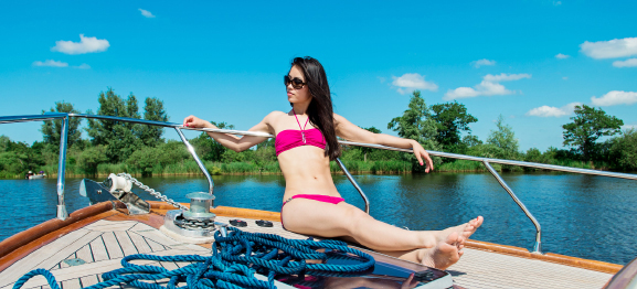 my-huong-bikini-Boot-enzo Outfit: Summer day at the boat