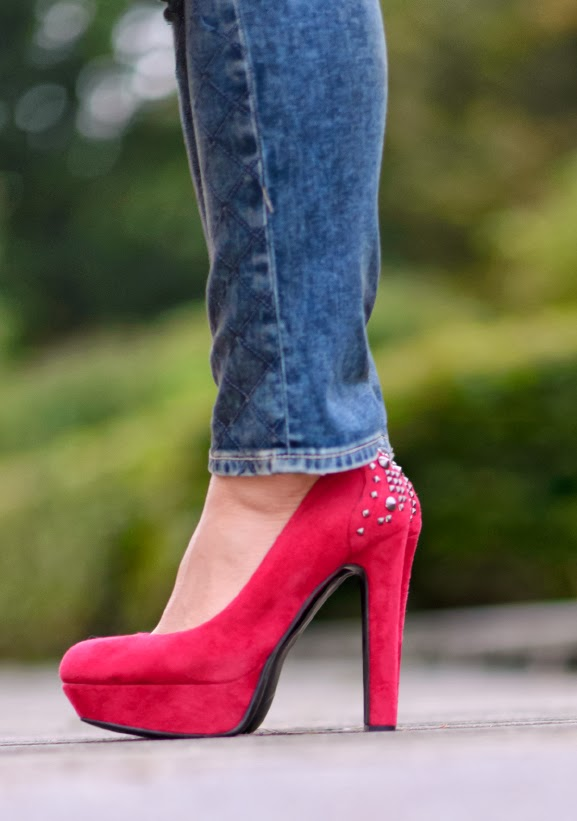 Miss-Roberta-pumps-rood Outfit: Casual militairy look