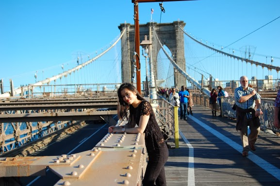 My-Huong-Brooklyn-Bridge New York City tour