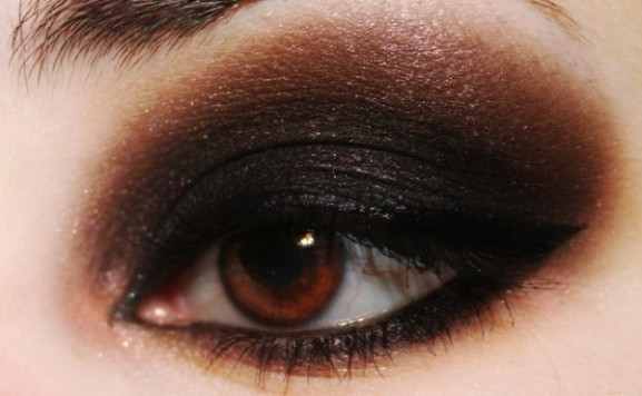 Smokey-eyes-600x371-577x356 Inspiratie: Feestelijke make-up look