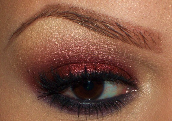 bordeaux rood smokey eye kerst look