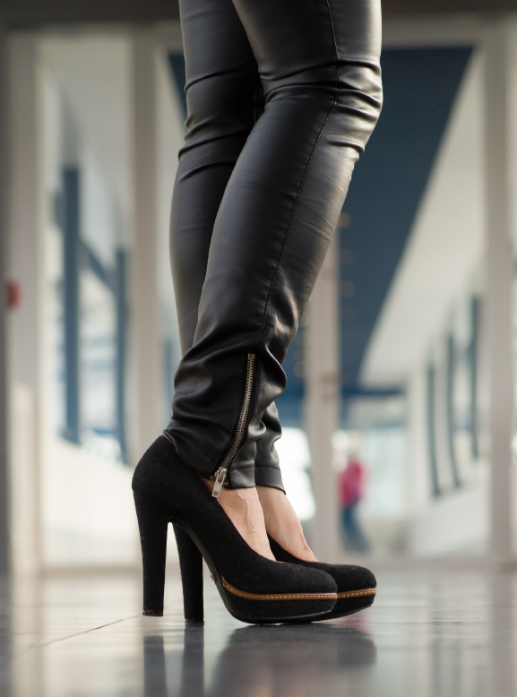 manfield pumps, leather pants