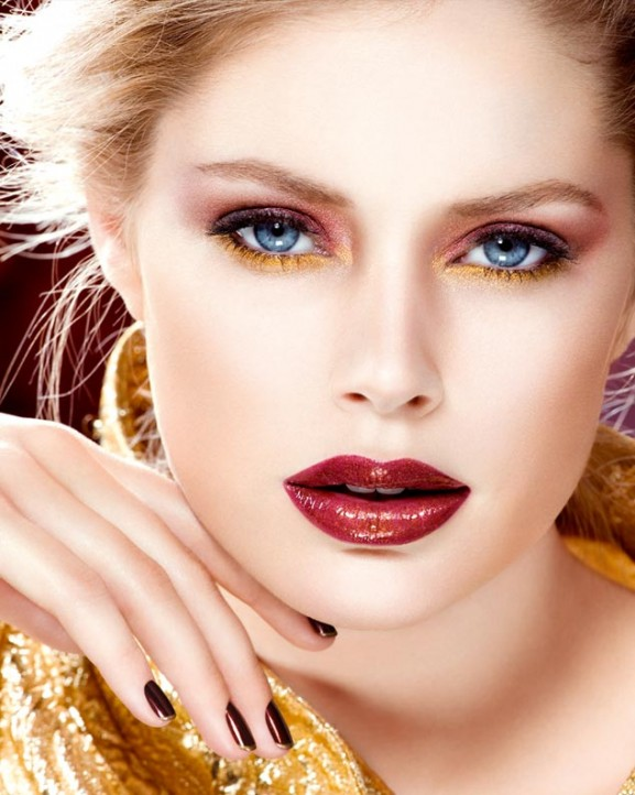 red lips christmas inspiratie make up look