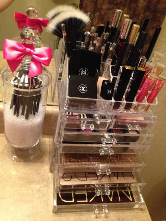 Make up organizer chanel tips