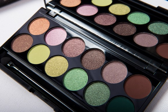 sleek-i-divine-garden-palette-577x384 Sleek MakeUp's Garden of Eden Palette