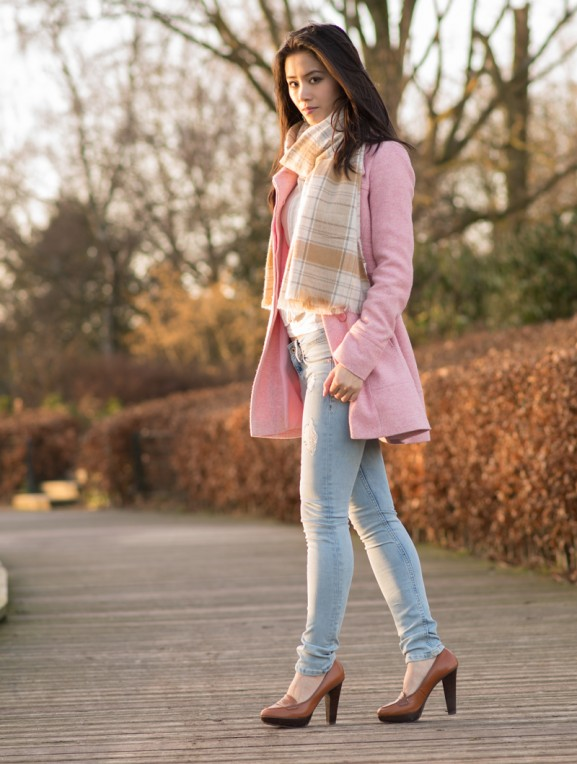 my-huong-pink-coat-outfit-577x764 Outfit: Roze jas