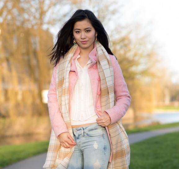 lente outfit roze jas