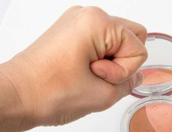 swatch-Glow-blush-Bronzer